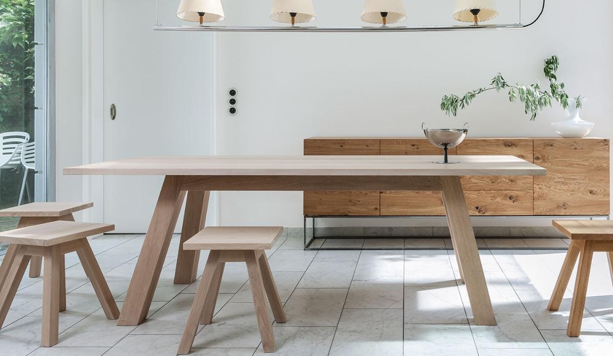 Jahrhundert- und Naturholz-Tische von Form exclusiv