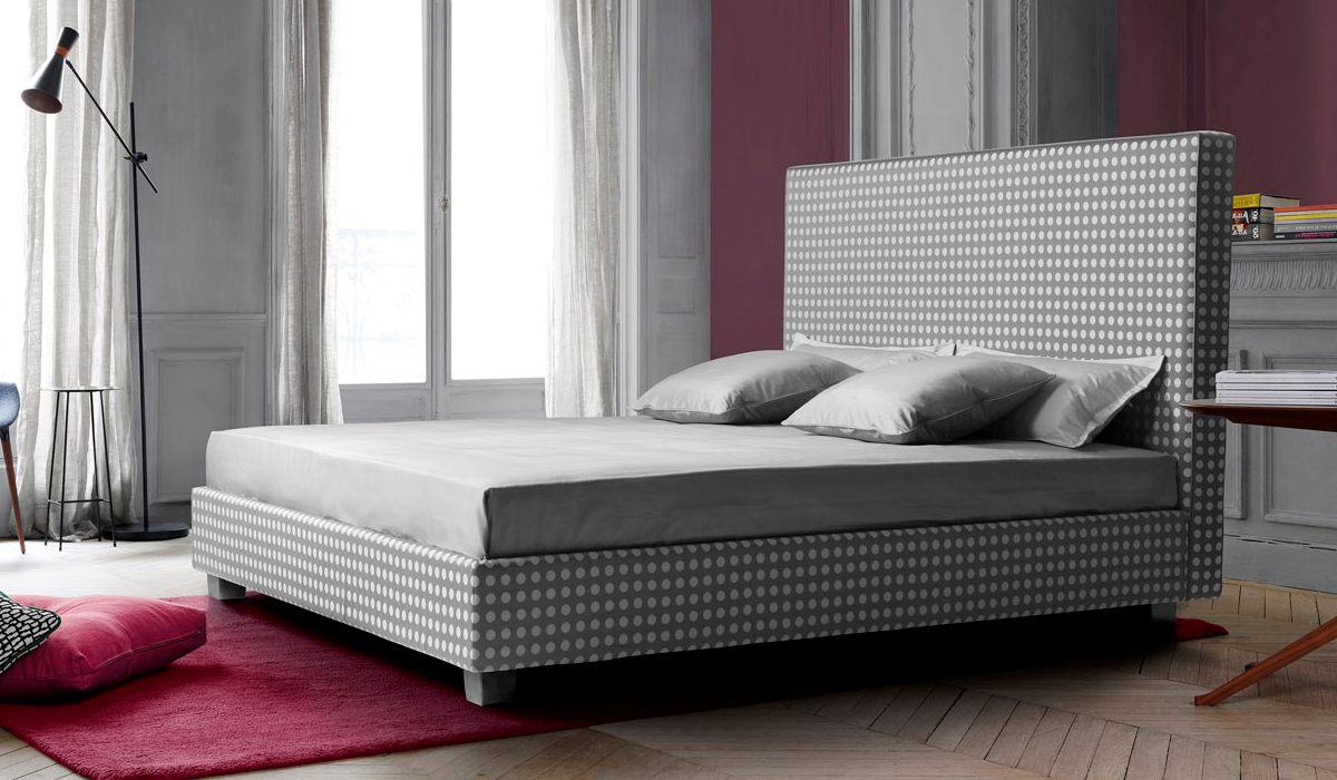 Amazing Treca Paris Boxspring Bett Mit Kopfteil Moderne In Grauem Stoff Mit  Weien Punkten With Bett Mit Stoff Kopfteil